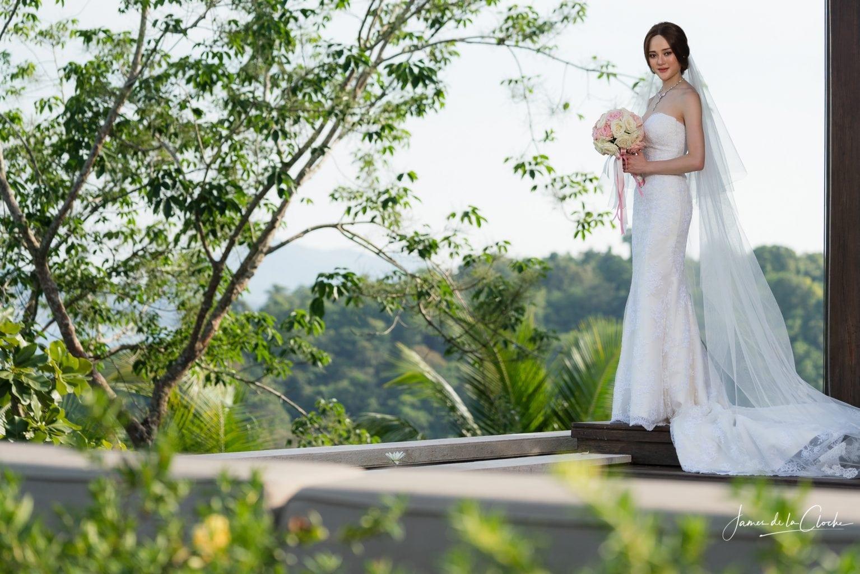 Bride's Portrait & Sea View